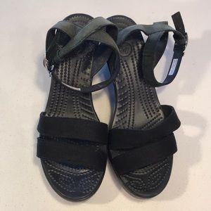 Croc Black Wedges